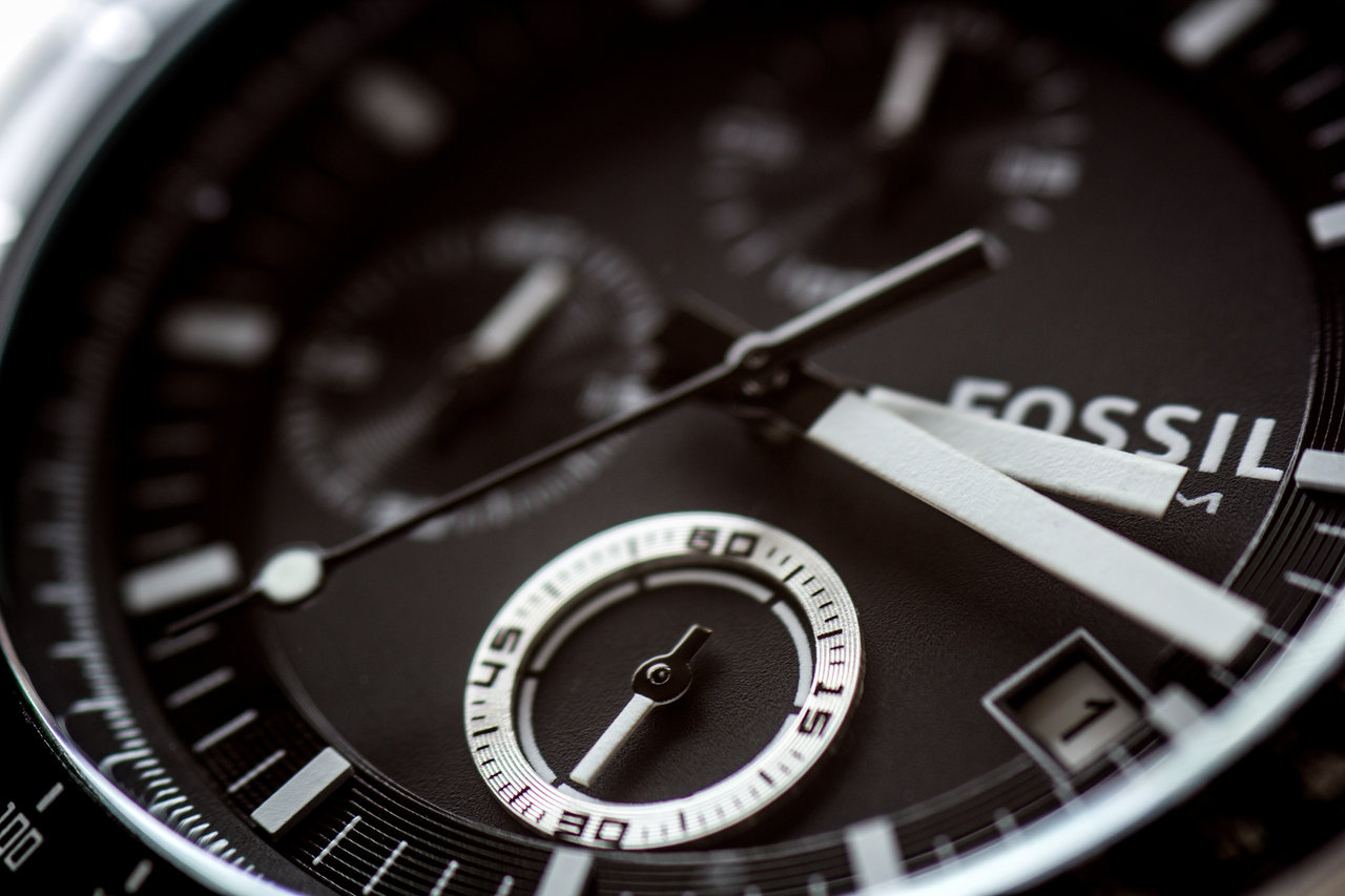 fossil_watch_closeup_by_mistar-d52evzx
