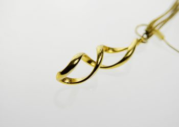 jewellery-1639077_1920