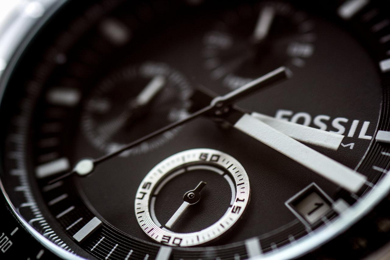 fossil_watch_closeup_by_mistar-d52evzx